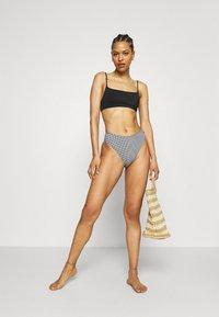 ARKET - Bikini top - black - 1