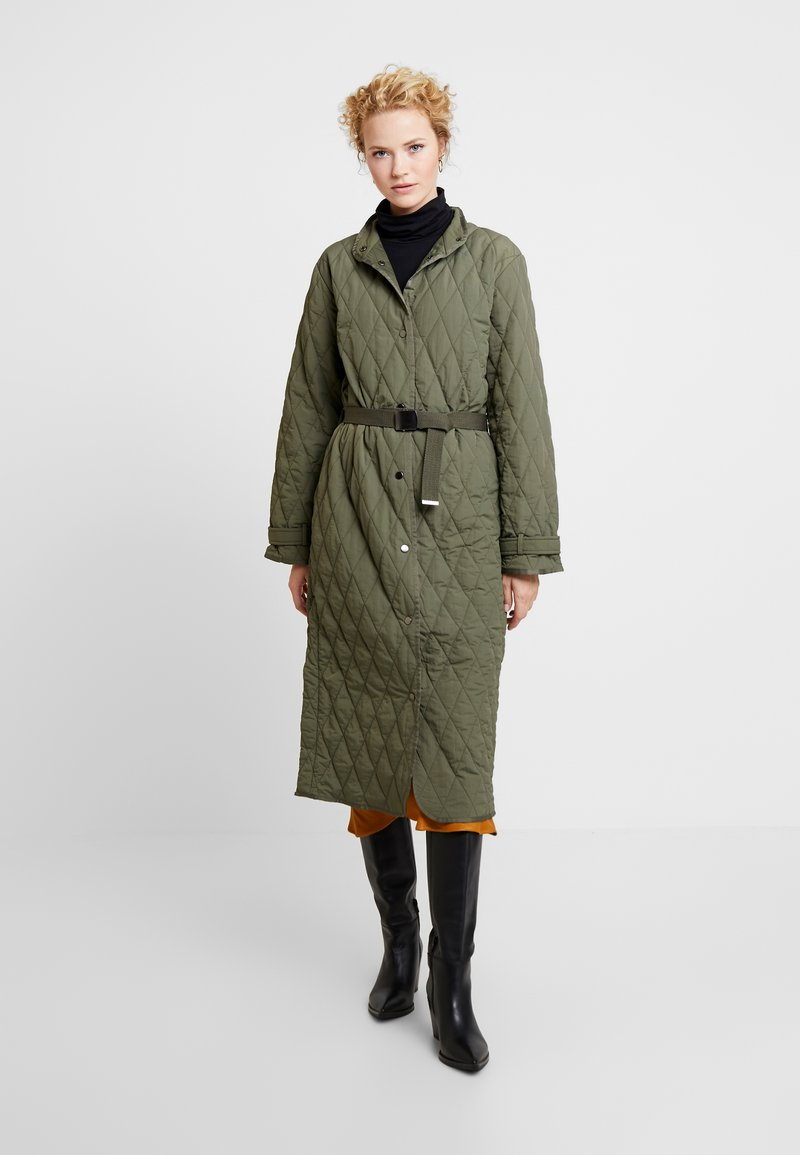 InWear - GURLI COAT - Zimní kabát - beetle green