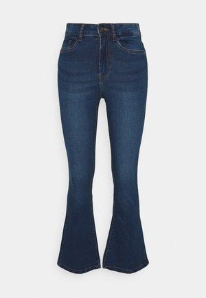 NMSALLIE FLARE JEANS - Flared Jeans - medium blue denim