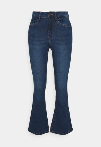 NMSALLIE FLARE JEANS - Široké džíny - medium blue denim