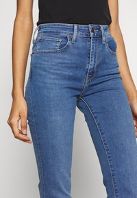 Levi's® - 725 HIGH RISE BOOTCUT - Jeans bootcut - blue denim - 4