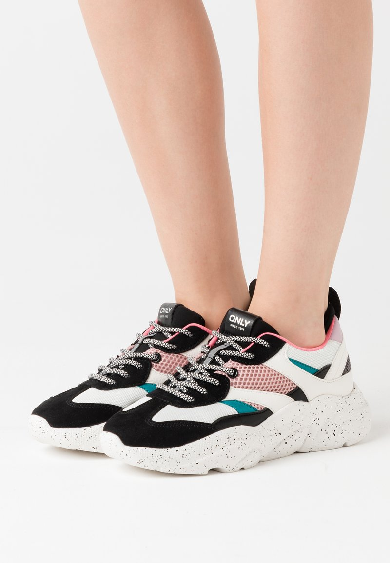 ONLY SHOES - ONLSANNA CHUNKY - Zapatillas - white/black