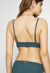 Brunotti - ADELINE WOMEN BASIC - Bikinit - fuel green - 4