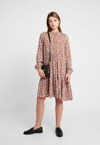 YAS - YASCARLA  - Shirt dress - bombay brown - 2