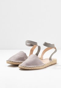 Dorothy Perkins Wide Fit - Loafers - grey - 4