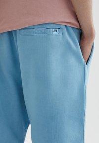PULL&BEAR - Shorts - light blue - 5