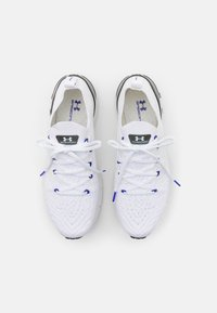 Under Armour - PHANTOM  - Neutral running shoes - white - 3