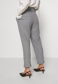 Miss Selfridge Petite - CHECK PAPERBAG TROUSER - Trousers - black - 3