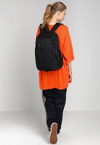 Nike Sportswear - ALL ACCESS SOLEDAY SOLID - Rucksack - black - 6