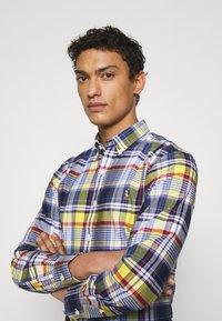 Polo Ralph Lauren - SLIM FIT PLAID OXFORD SHIRT - Shirt - yellow/blue multi - 3