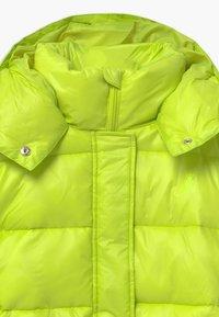 Patrizia Pepe - PIUMINO LOGO - Winter jacket - verde acido chiaro - 3