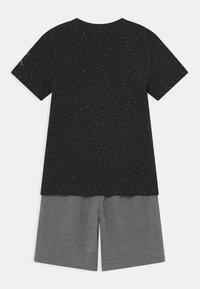 Jordan - BIG VERT SET - Camiseta estampada - carbon heather - 1