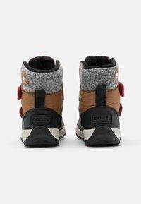 Sorel - CHILDRENS WHITNEY II UNISEX - Winter boots - elk - 2