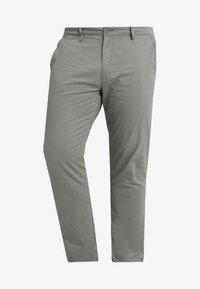 Jacamo - CAPSULE STRETCH PLUS - Chino - light grey - 4
