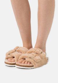 L37 - SKY WALKER - Pantofle - cream - 0