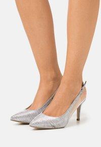 Menbur - Zapatos altos - silver - 0