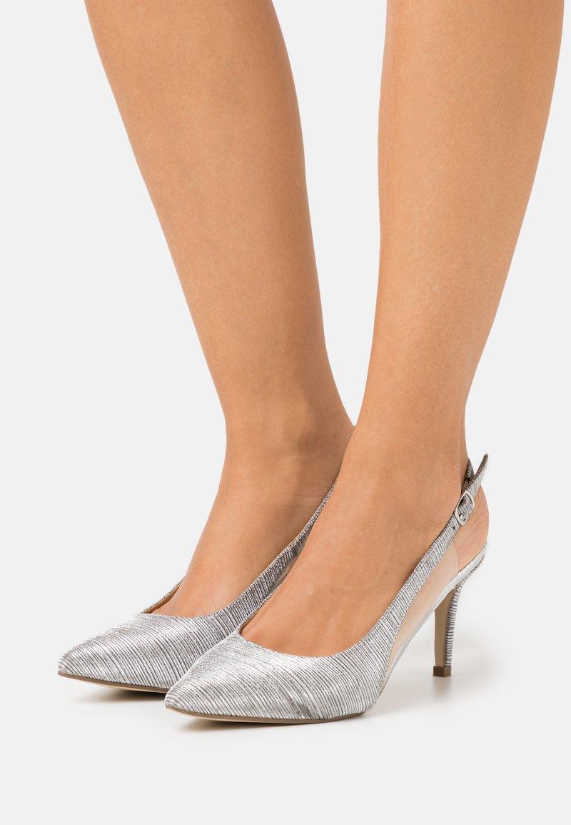 Menbur - Zapatos altos - silver