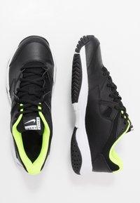 Nike Performance - COURT LITE 2 - Zapatillas de tenis para todas las superficies - black/white/volt - 1