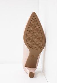 MICHAEL Michael Kors - MILA ANKLE STRAP - Classic heels - nude - 6
