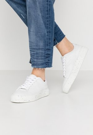 VMEMMIE WIDE FIT - Sneakers basse - snow white