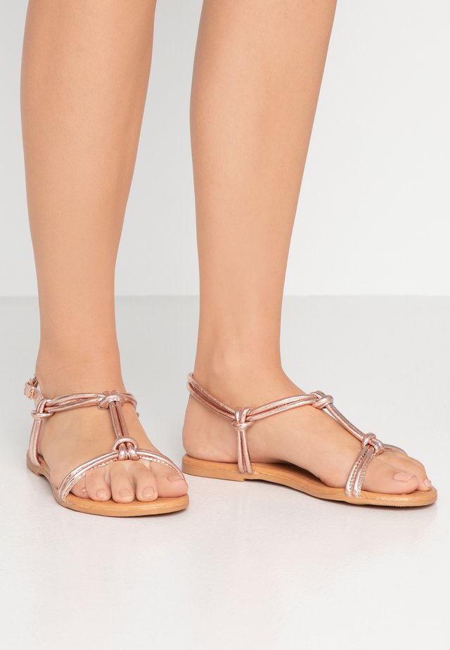 WIDE FIT JOJO TUBULAR TOE POST - Sandals - rose gold