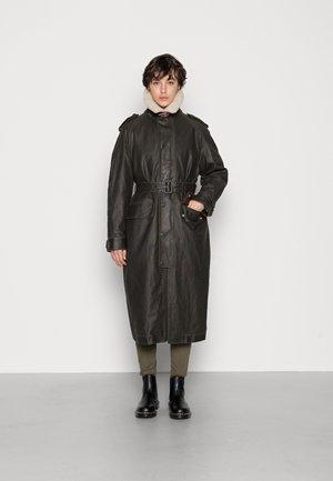 TACCY - Classic coat - black