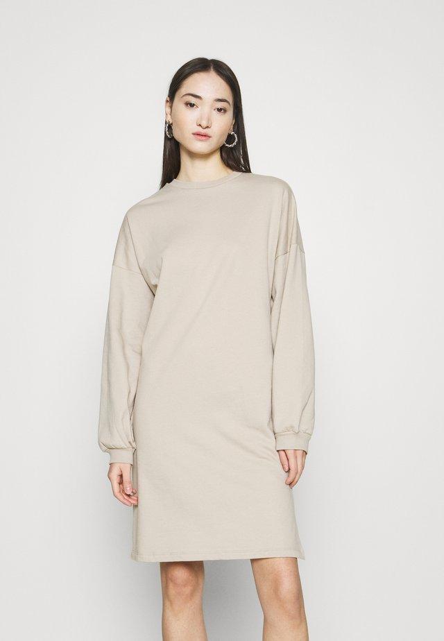 PERFECT SLIT DRESS - Vapaa-ajan mekko - beige
