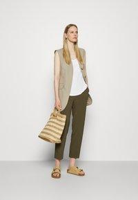 Anna Field - Trousers - khaki - 1