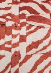 Monki - BENNIE - Camisa - red - 6