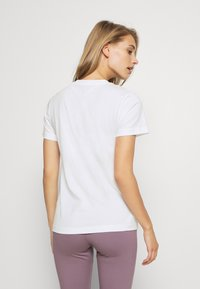 adidas Performance - UNIVVOL TEE - T-shirt z nadrukiem - white - 2