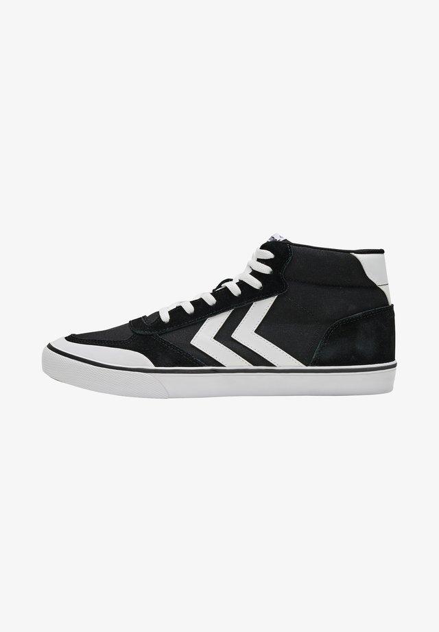 STADIL MID - Sneakers laag - black
