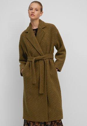 BOUCLEE COAT LONG  OVERSIZED WELT POCKETS BELT - Classic coat - dark brown