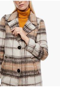 s.Oliver - MIT KAROMUSTER - Short coat - brown check - 4