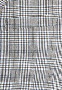 Selected Homme - SLHSLIM KYLELOGAN - Completo - light gray - 12