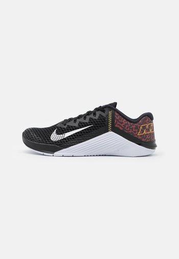 METCON 6 UNISEX - Sports shoes - black/white/dark cayenne/solar flare