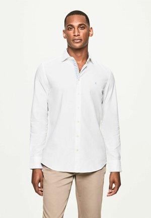 CONTRAST TRIM - Shirt - white