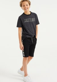 WE Fashion - Shorts - black - 0