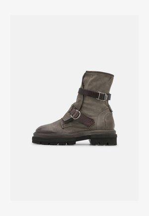 Platform ankle boots - cenere