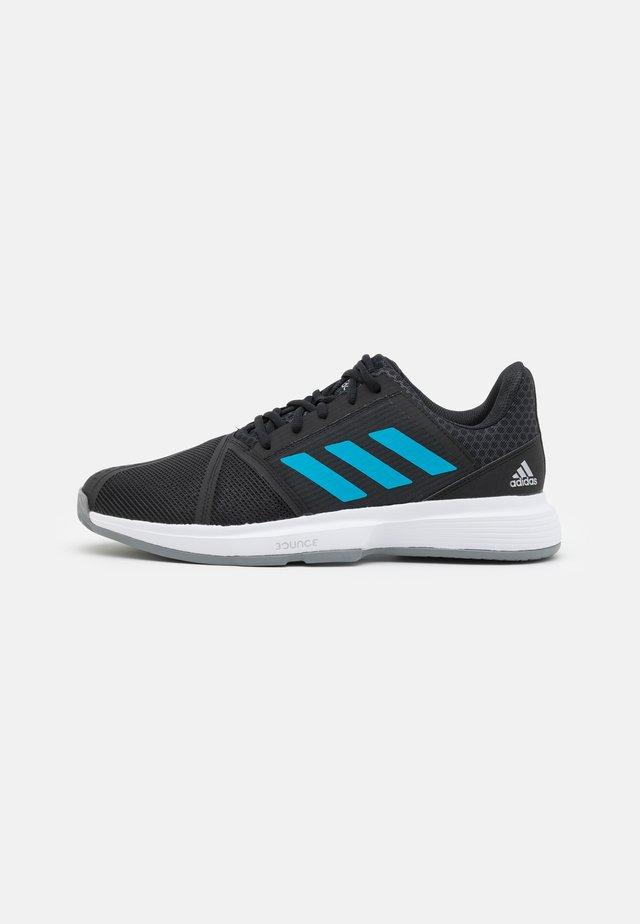 COURTJAM BOUNCE - Tennisschoenen voor alle ondergronden - core black/sonic aqua/footwear white