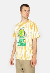 HUF - Print T-shirt - gold - 0