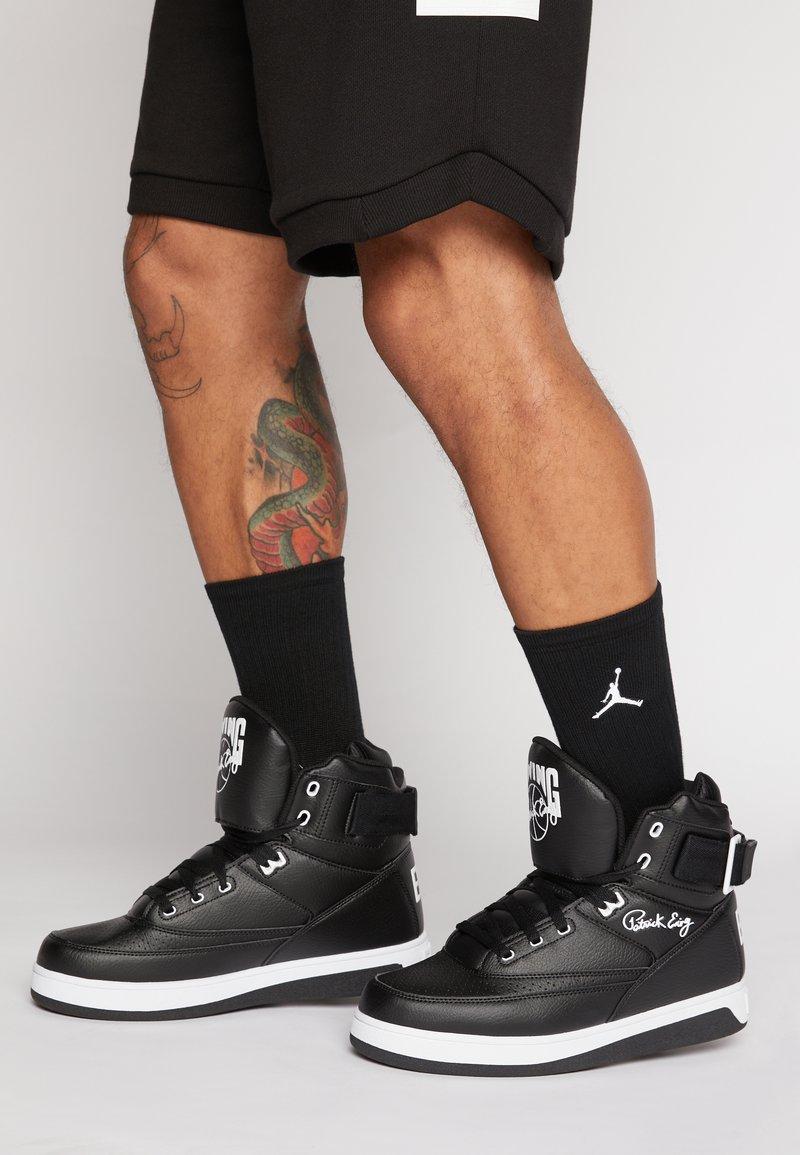 Ewing - 33 HI - Höga sneakers - black/white