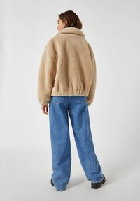PULL&BEAR - Fleece jacket - camel - 2