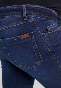 LOVE2WAIT - PANTS SOPHIA - Jeans Skinny Fit - dark wash - 3