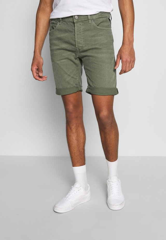 MA981B SHORT - Denim shorts - olive green