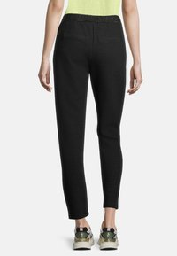 Cartoon - Tracksuit bottoms - schwarz/grau - 2