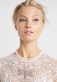 Needle & Thread - DRAGONFLY GARDEN MAXI DRESS - Robe de cocktail - rose quartz - 5