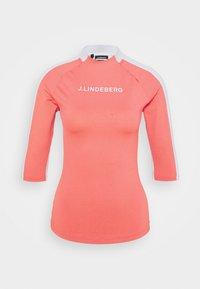 J.LINDEBERG - MARGOT SOFT COMPRESSION - Print T-shirt - tropical coral - 0