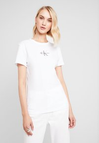 Calvin Klein Jeans - MONOGRAM SLIM RINGER TEE - T-shirts print - bright white - 0