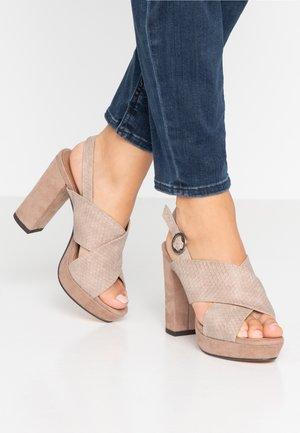 SOROYA - Sandaler med høye hæler - nude