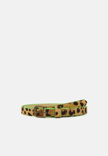 BELT WITH ALL OVER ANIMAL PRINT